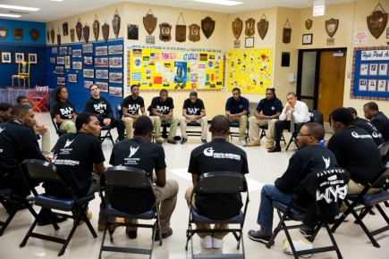President Obama visits a B.A.M. group in Hyde Park, Chicago.