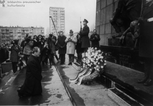 Former Chancellor of Germany Willy Brandt kneels before the Holocaust Memorial in 1970.